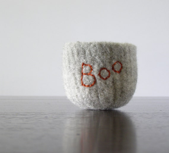 "Halloween boo bowl - tiny felted bowl in dove grey with embroidered word ""boo"" in persimmon orange - autumn or Halloween decor"