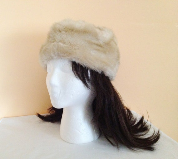 Vintage Beige Fur Hat. Winter Hat. Fall. Accessory. Tan. Brown. Vintage Fur Hat. 1960s.