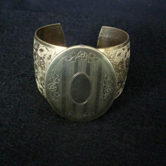 Locket Bracelet Unique cuff bracelet