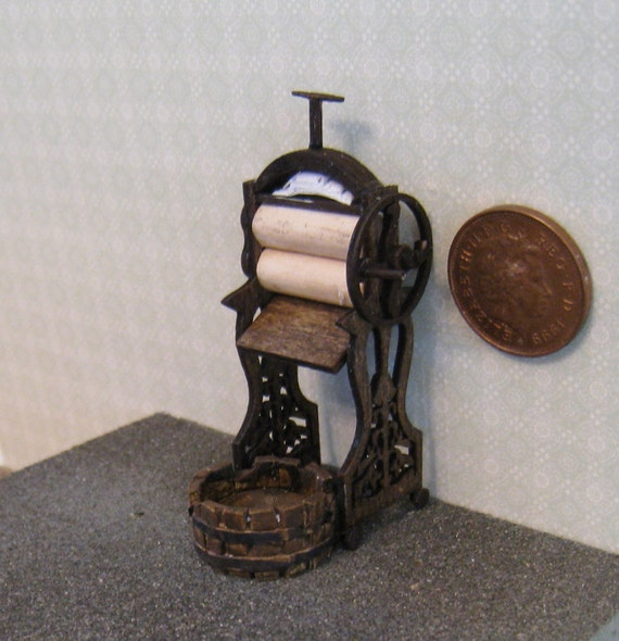 Mangle, Victorian style, Half Scale Dollshouse Miniature