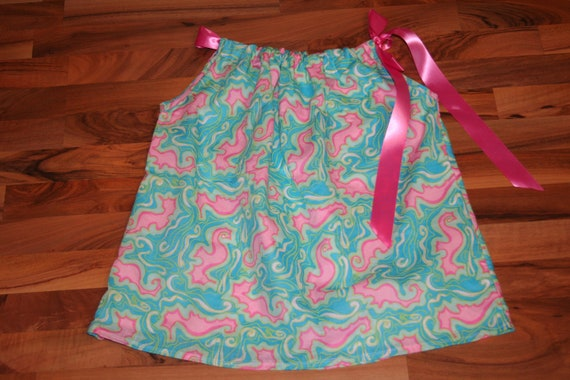 Ladies top made with Lilly Pulitzer Lock me up Fabric