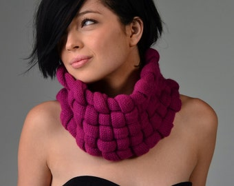 Woven Cowl in Peony
