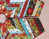 Christmas Tree Skirt Quilt - 53 Inch Jovial Strings