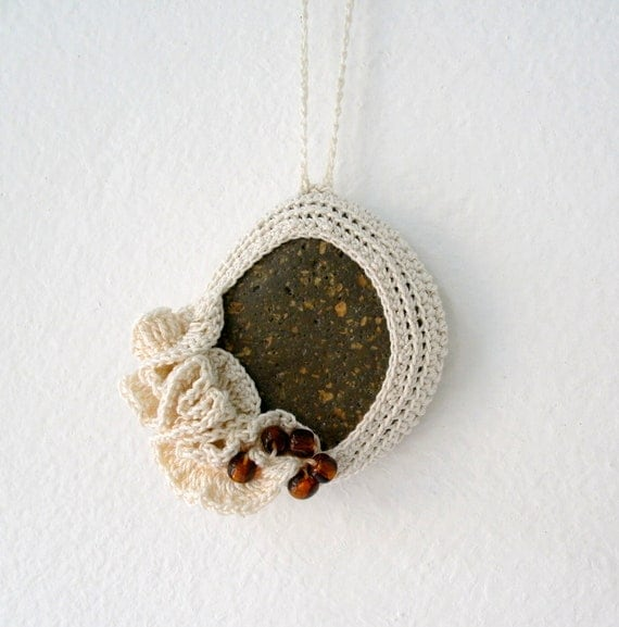 Crochet Stone Necklace - Crochet Jewelry - Lace Stone Necklace - Beach Stone Pendant - Beach Wedding Necklace - Ruffles Necklace
