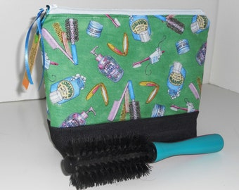 Cosmetic / Toiletry Bag / Zippered / Green / Travel / Storage / Organizer