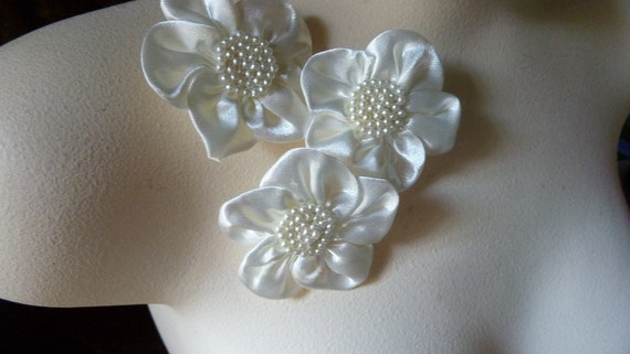 SALE 3 Beaded Flower Appliques in Ivory for Bridal, Headbands, Jewelry or Costume Design