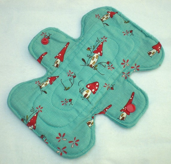 Woodland Toadstool Houses - Teal - 7 inch Cloth Pad 3L - Cotton Top