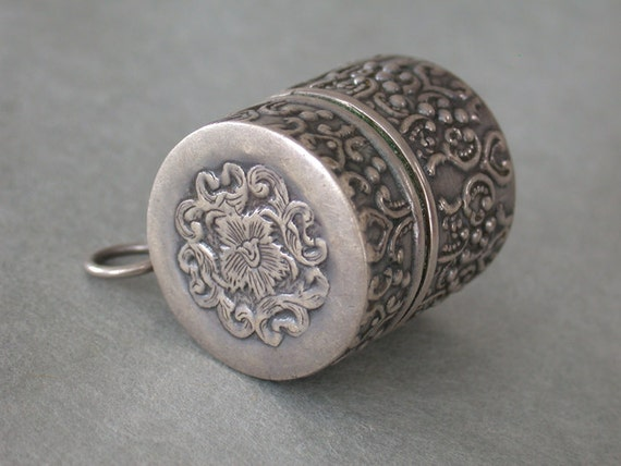 Ornate Stamped Sterling Hinged / Lidded Pill Box w/ Bail 1 Inch Art Nouveau