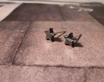 Mini Star Stud Earrings - Gunmetal