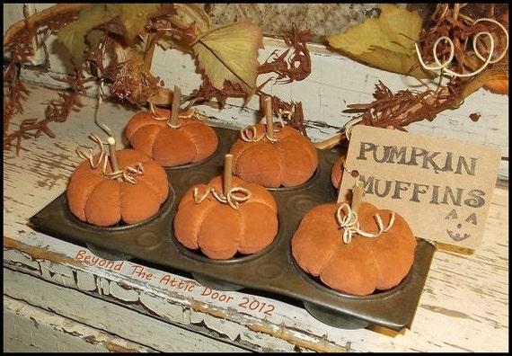Primitive PUMPKIN Muffins FALL Halloween Gathering Muffin Tin