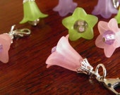Removable Lobster Clasp / Set of 6 / Stitch Markers / Glass flowers