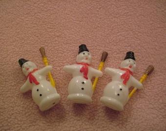 Lot of 3 vintage Plastic snowmen figures in origional pkg. great ornaments