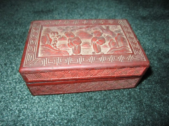 Vintage Lovely Chinese Cinnabar Lacquer Box