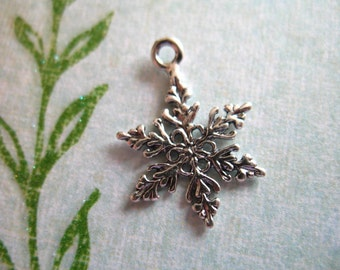 Shop Sale.. 925 Sterling Silver SNOWFLAKE Pendants Charms, 19x13.5 mm, woodland winter organic ...