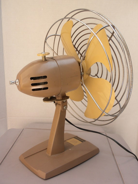 vintage electric fan, toastmaster model 5301, khaki and fawn colors