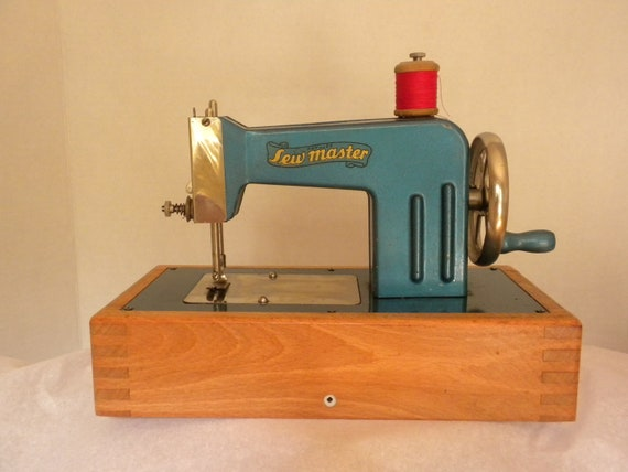 Vintage Toy Sewing Machine Made In Germany C 1946 By Brixiana
