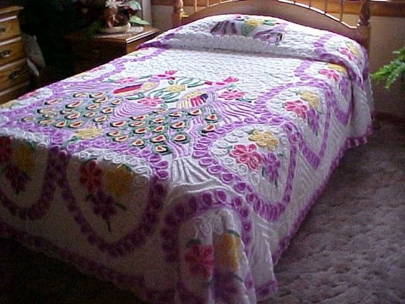 Pretty chenille bedspread with - 90.4KB