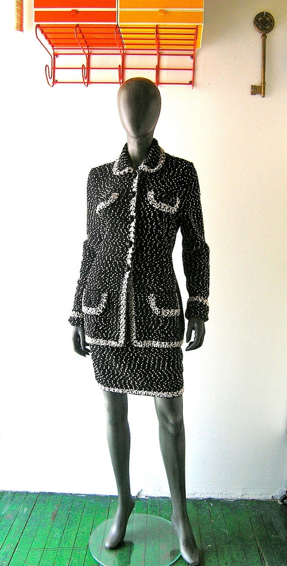 80s wool knit Adolfo Dior St John style black white snowstorm knit jacket and skirt suit - size 4 or 6 designer fasshion 80s 90s