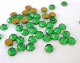 Vintage Glass Cabochon ss16 Rhinestones Emerald Flat Back Chaton Roses 16ss 4mm rhm0018 (100)