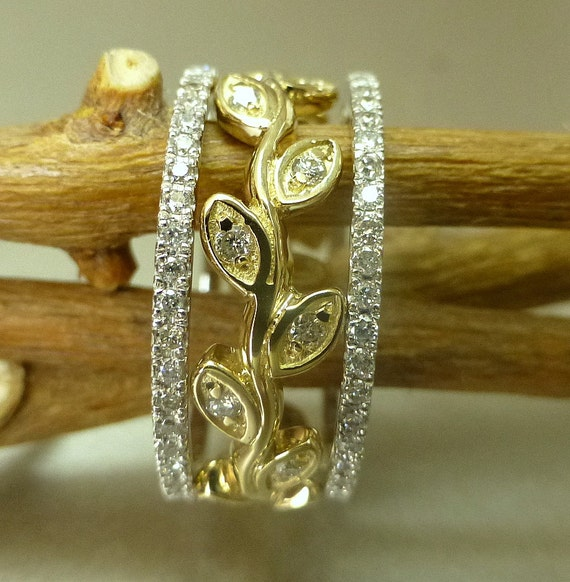 Diamond and leaf engagement ring set.  14k gold