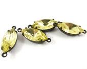 4 - Vintage Glass Navette Stones in 2 Rings Black Antique Brass Prong Settings - Jonquille - 15x7mm