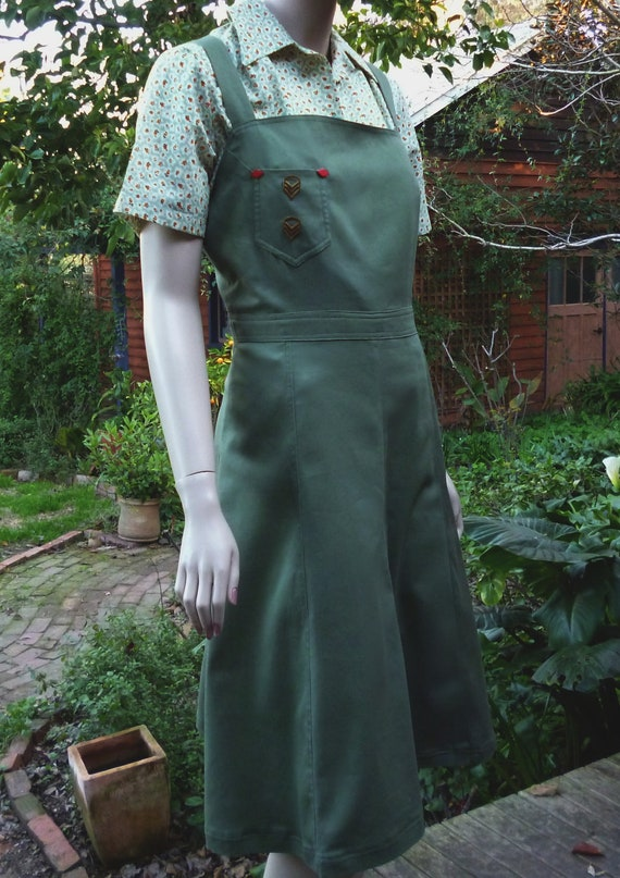 1940s WWII Vintage style Pinafore /Jumper with Blouse