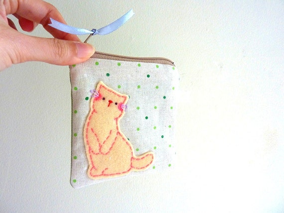Cat Purse, Cat Zipper Pouch, Coin Purse - Winter Kitty