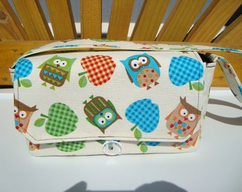 Medium Size Coupon Organizer Holder - Attaches to your shopping cart - Owls and Apples on Cream