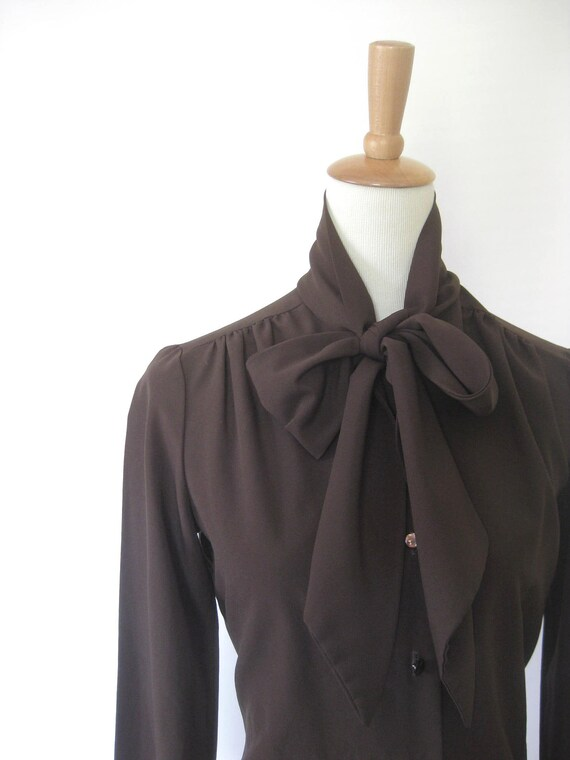 Vintage CHOCOLATE Secretary Bow Blouse 1970s Medium Large M L BROWN Pussy Indie Mad Men MODERN