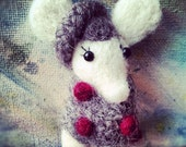 White mouse brooch II