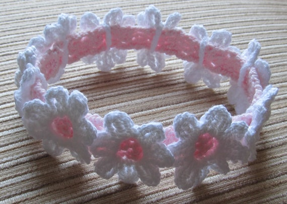 Instant Download #59 Crochet Pattern Baby Headband With White Daisies in sizes 0-3, 3-6, 6-12 Months