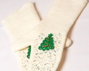 "Felted mittens with ""Christmas tree"""