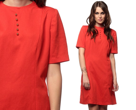 1960s Mod Dress Plus Size Tomato Red Button 60s Shift Mini Vintage Sixties Twiggy Short Sleeve Orange Polyester Dress Extra Large L XL