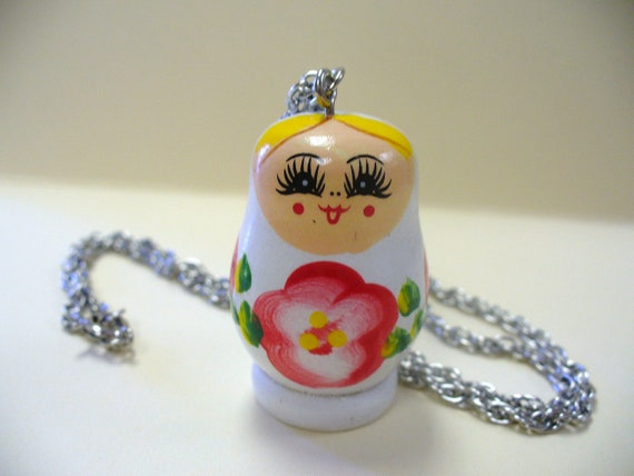 Vintage Russian Nesting Matryoshka Doll Necklace DEADSTOCK White