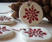 Ceramic Christmas ornament red and white, set of  five , home decor, gift tags - azulado