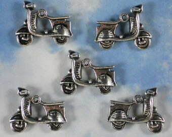 5 Motor Scooter Silver Charms 3D 2 Sided 23mm Vespa Antiqued (P896)