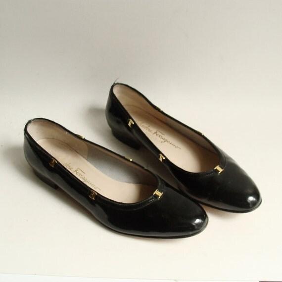 shoes 8.5 / Ferragamo flats / black patent leather flats / Salvatore Ferragamo / shoes size 8.5 / vintage shoes