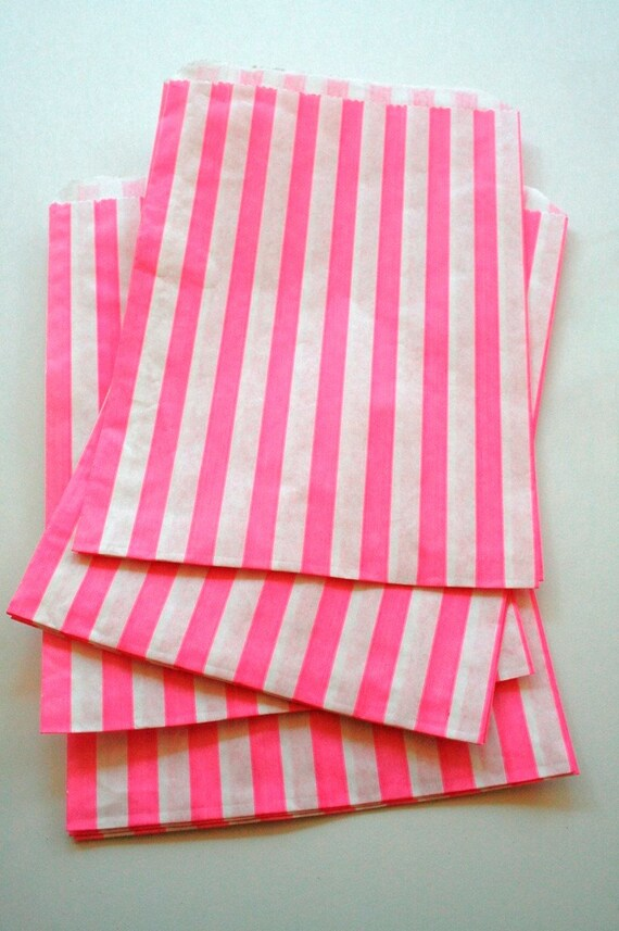 Set of 25 - Traditional Sweet Shop Pink Candy Stripe Paper Bags - 5 x 7