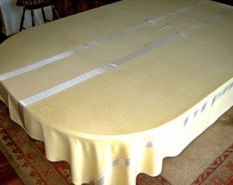 """DAMASK Tablecloth Vintage Yellow Linear Smooth ELEGANT Supple BEAUTY 84"""""""