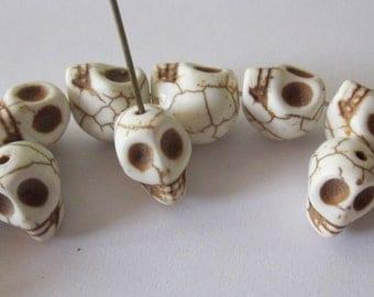 Howlite Skulls 12mm x 10mm (6)
