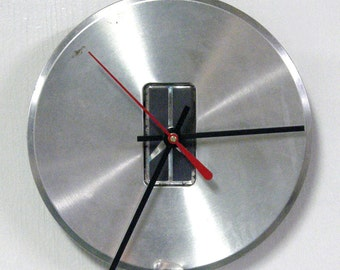 Oldsmobile Hubcap Clock - 1995 - 1999 Olds Bravada Wall Clock - Recycled Home Decor - 1996 1997 1998