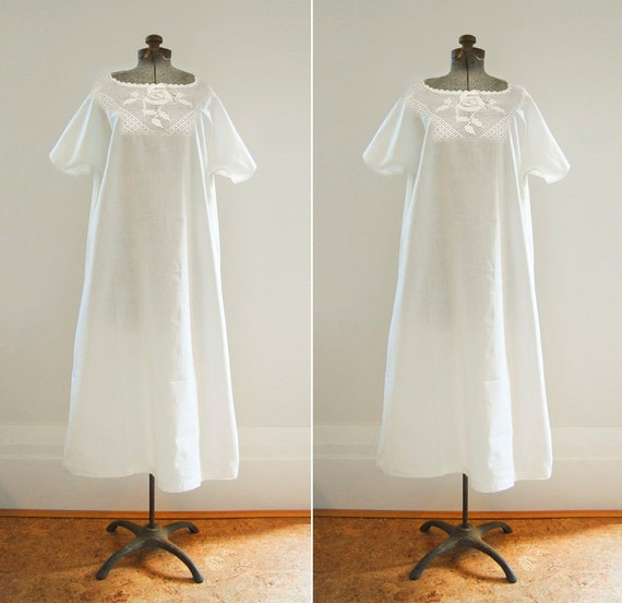 V I N T A G E  1920's White Cotton Sleepdress with Crocheted Rose