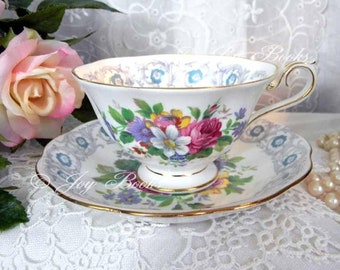 VINTAGE BOUQUET Tea Time Set of 4 Note Cards Royal Albert Teacup & Saucer Gold White Pink Green Yellow Blue Pearls Rose Handmade Lace