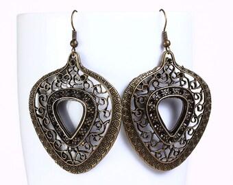 Antique brass filigree heart drop earrings (529) - Flat rate shipping
