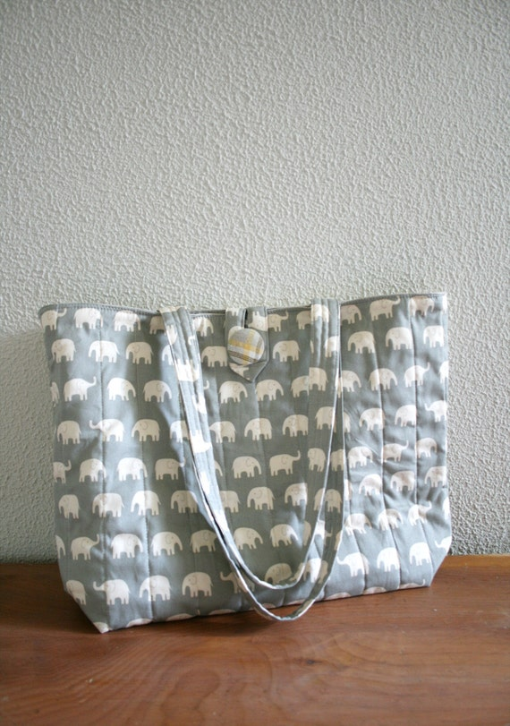 Quilted Everyday Bag - elephants in white over grey