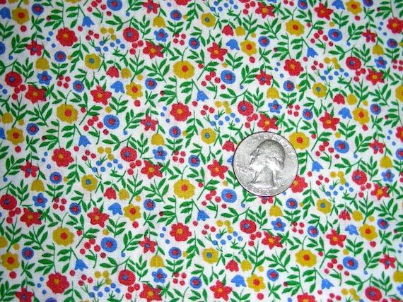 "Vintage 44 Inch Wide 50's Quilting or Apron Cotton Fabric - 44"" wide x 38"" long - Tiny Poppies"