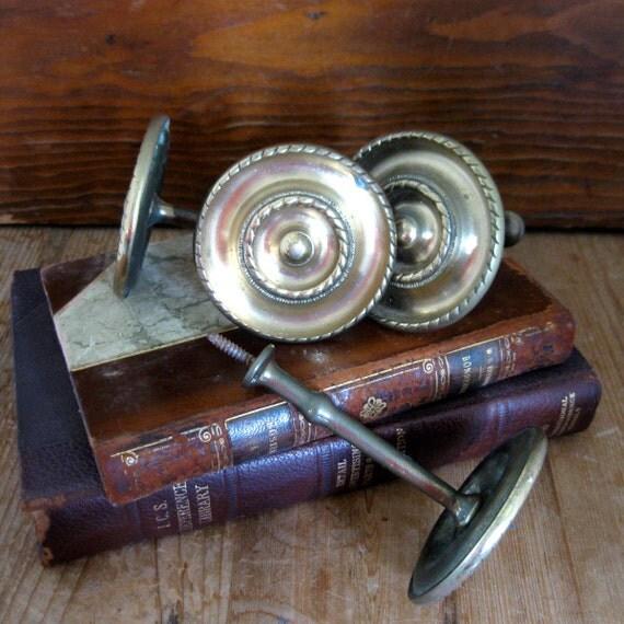 4 vintage brass tiebacks, brass tie backs, drapery tiebacks, curtain tie backs, brass hardware