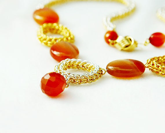 Chainmaille Necklace Of Circles With Carnelian