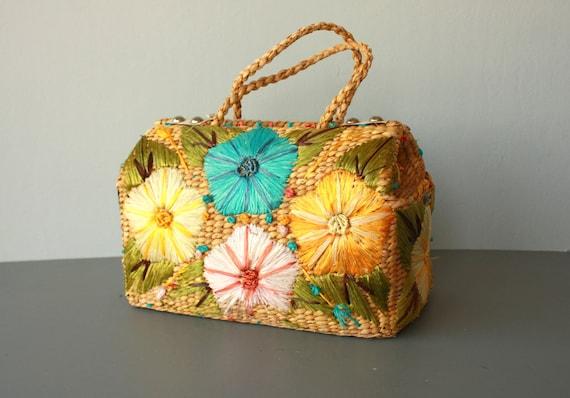 LAST CALL SALE / basket bag / 60s straw purse / 1960s straw bag / gladstone bag / woven purse