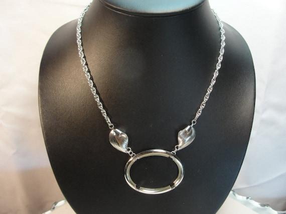 Vintage silvertone Necklace Cabochon Setting 40mm x 30mm